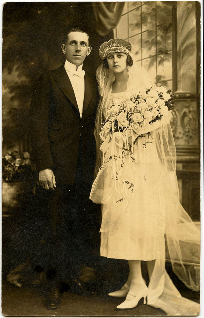 old wedding picture black and white